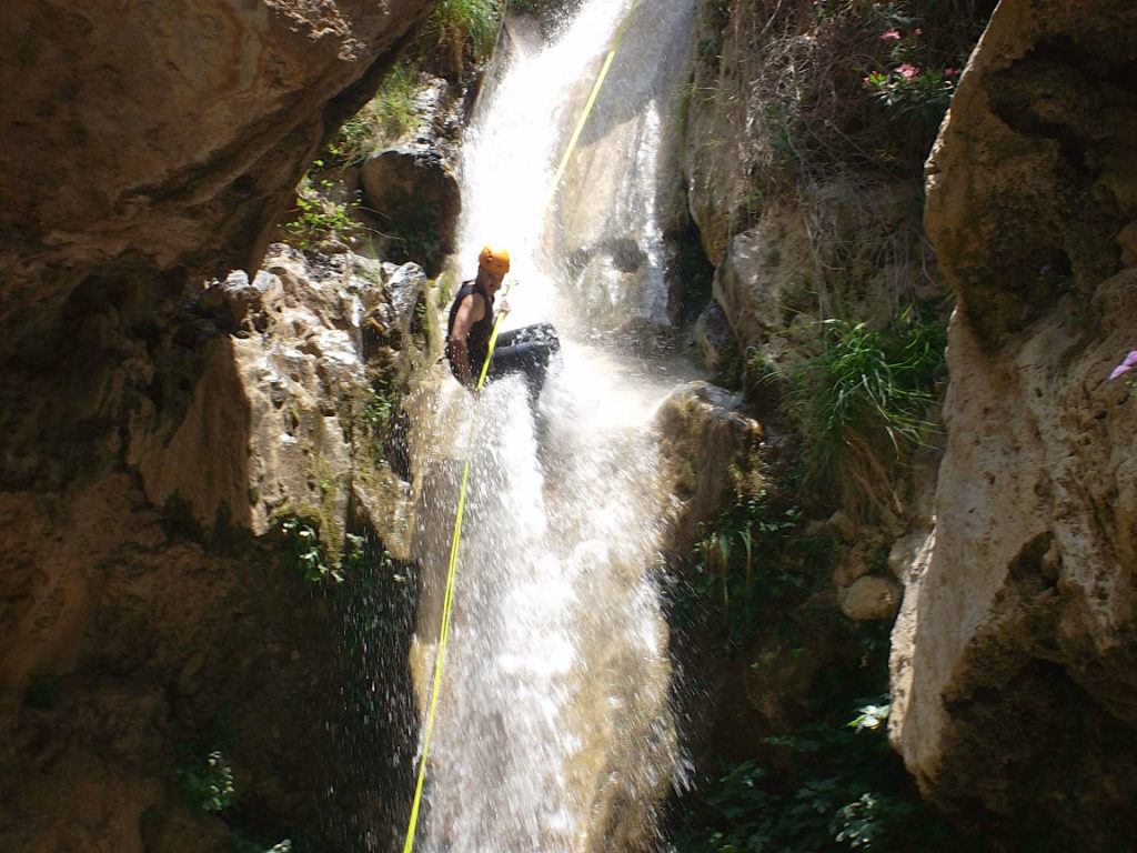Solana de Granada - Climbing and outdoor hostel: Migue canyoning near Granada