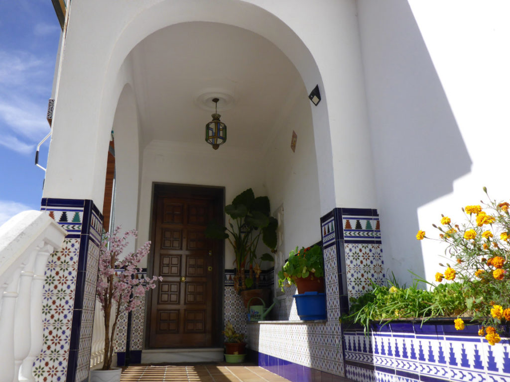 Solana de Granada - Climbing and outdoor hostel: andalusian entrance