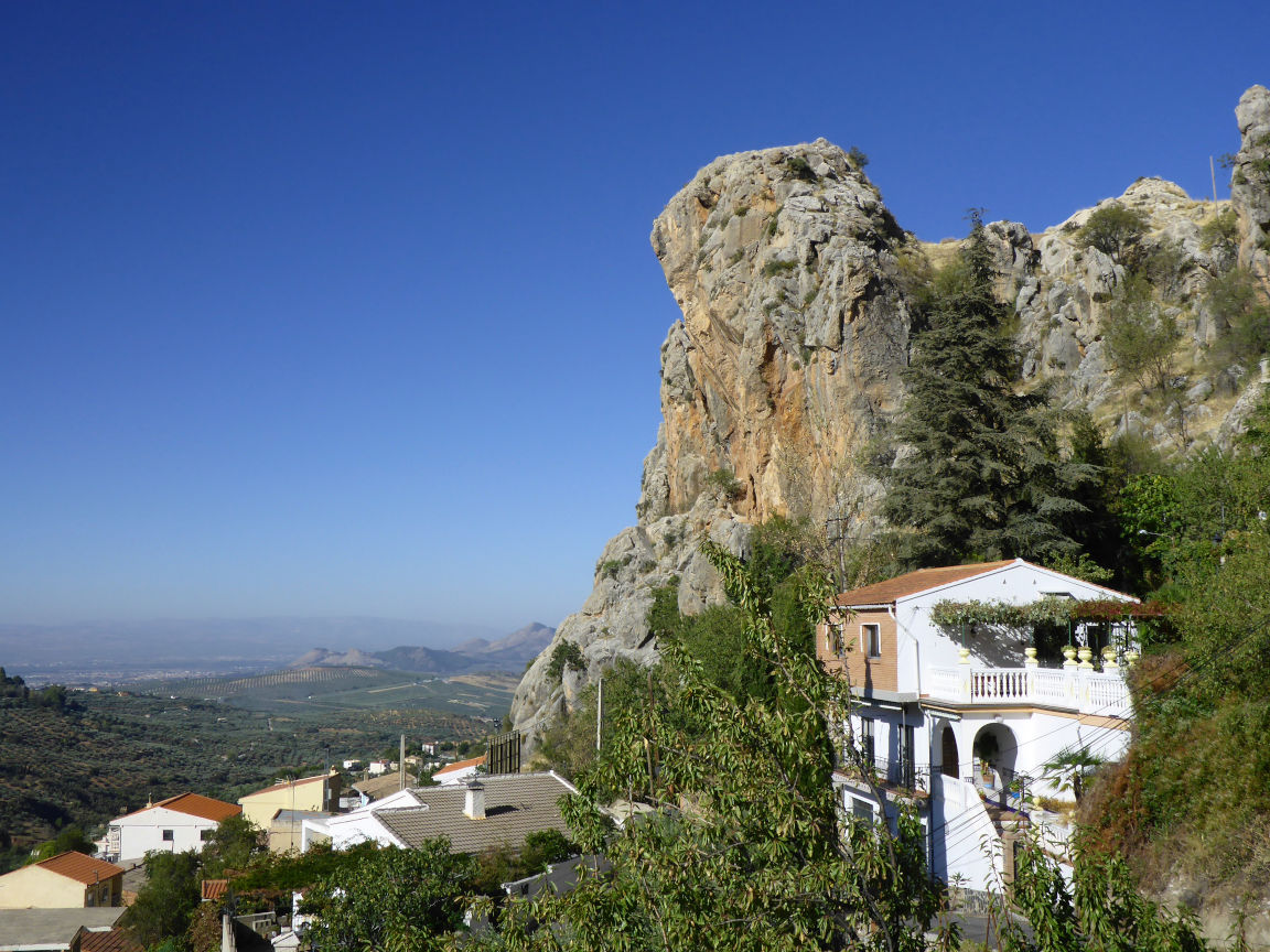 Solana de Granada - Climbing and outdoor hostel: view of the house