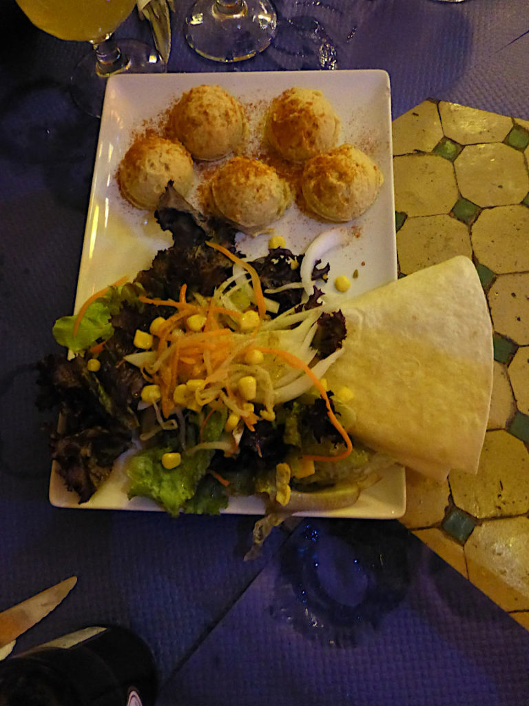 Solana de Granada - Climbing and outdoor hostel: arabic food - Hummus