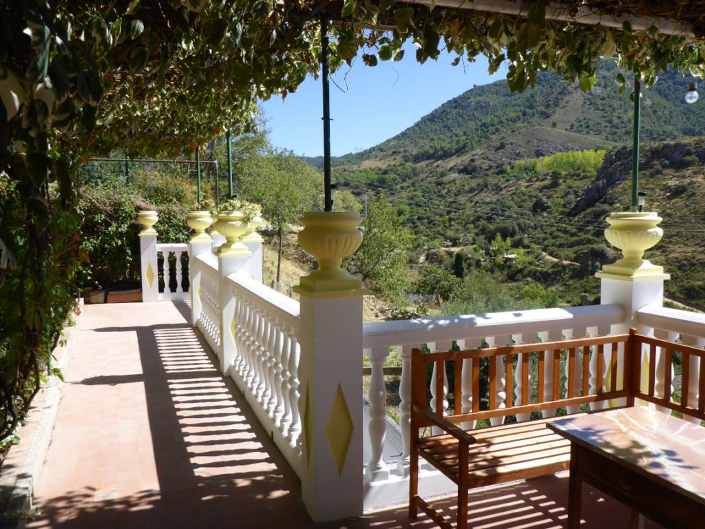 Solana de Granada - Climbing and outdoor hostel: the terrace
