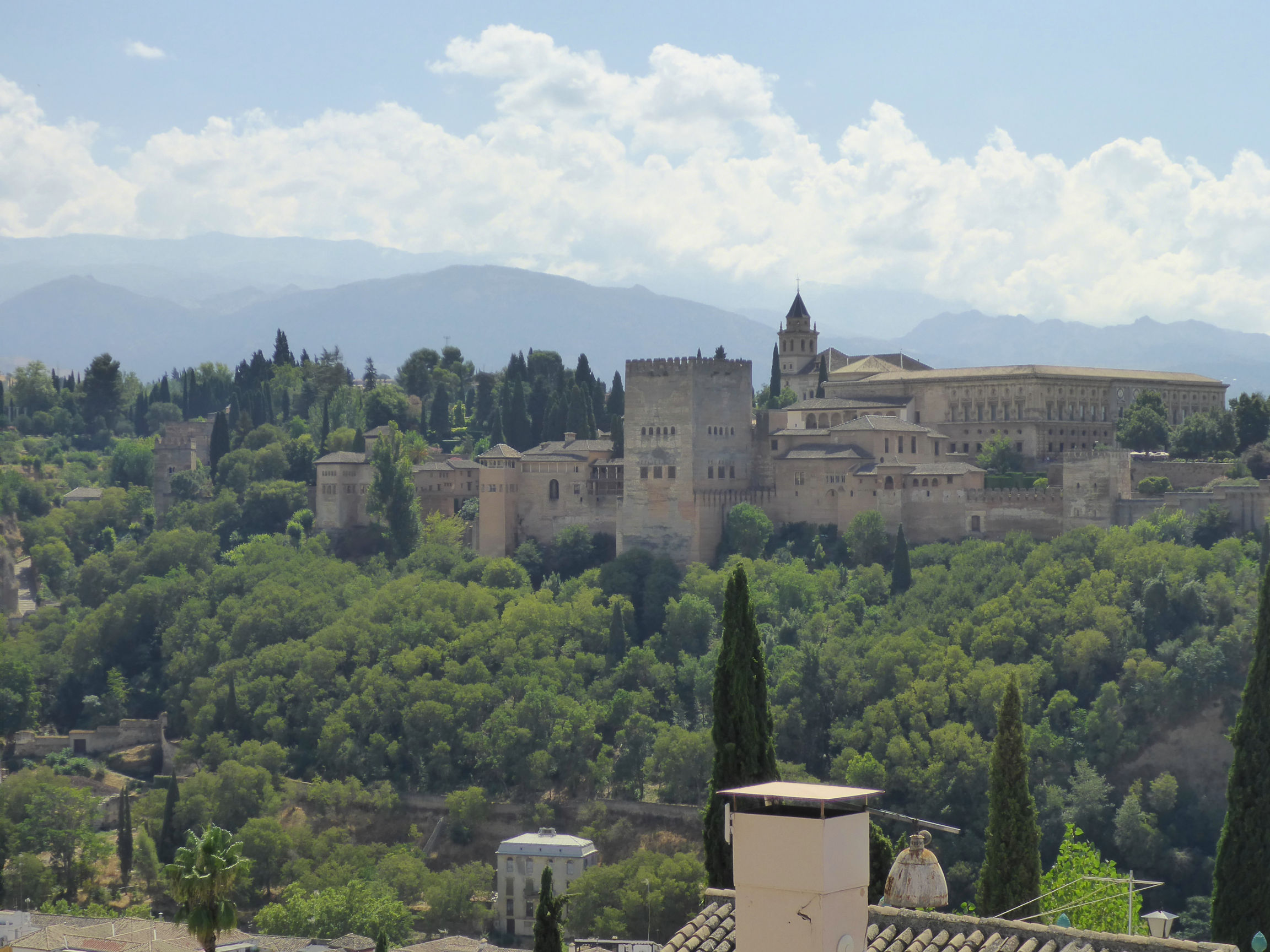 Solana de Granada - Climbing and outdoor hostel: Alhambra in Granada