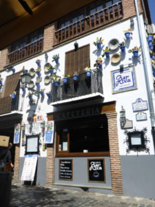 Solana de Granada - Climbing and outdoor hostel: Bar Aixa in Granada