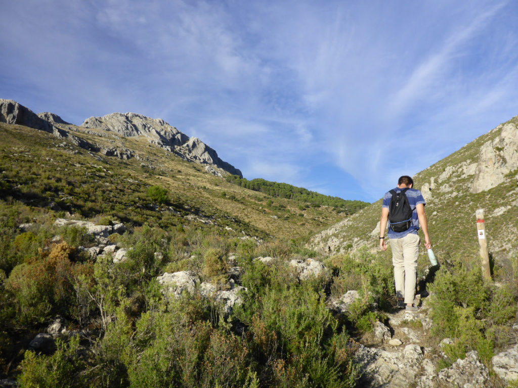 Solana de Granada - Climbing and outdoor hostel: Hiking Sierra de Huetor