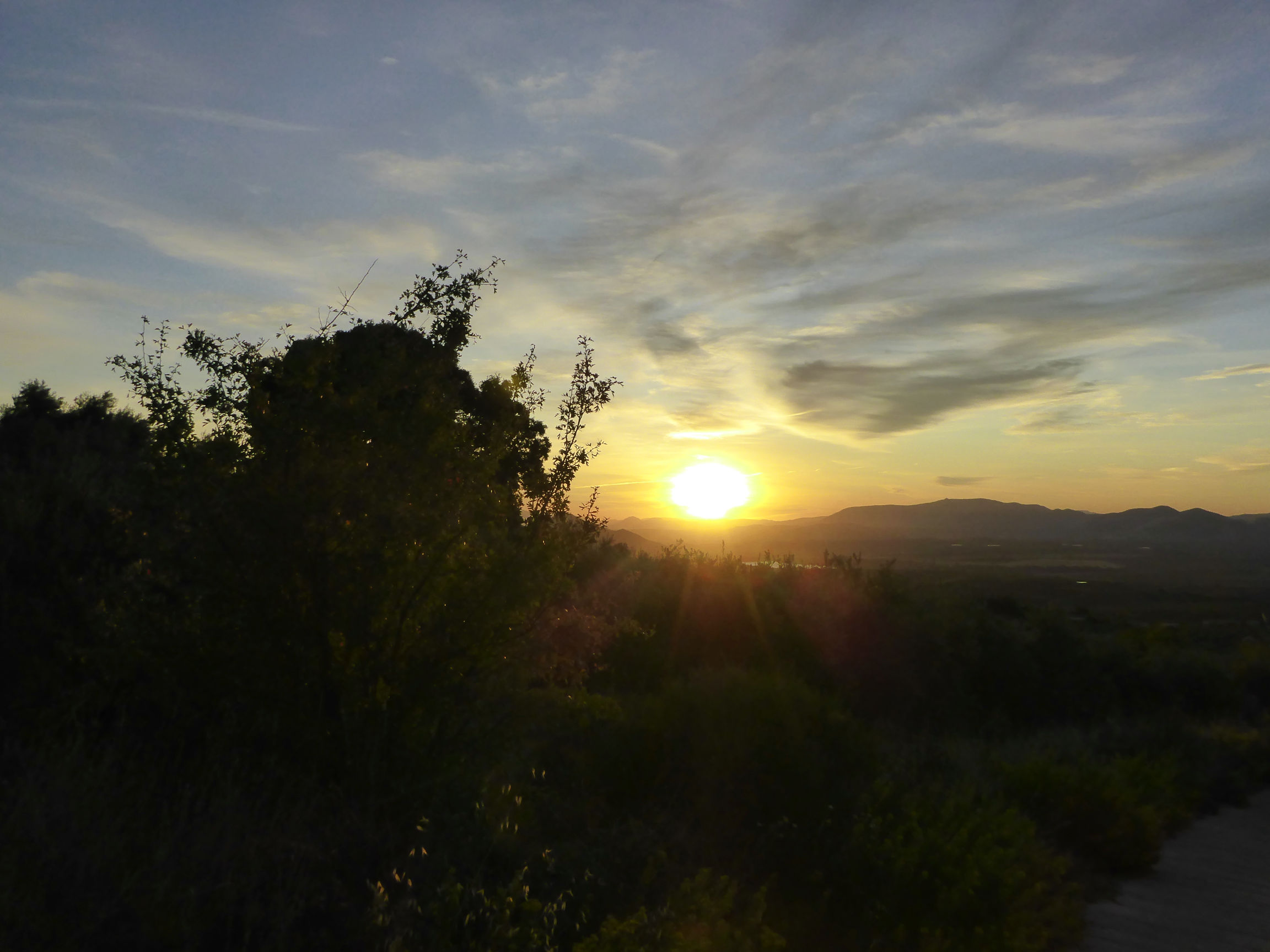 Solana de Granada - Climbing and outdoor hostel: sunset from Sierra de Huetor